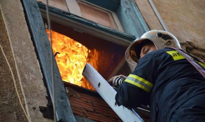 Νεκρή από αναθυμιάσεις 24χρονη στο Λιβαδάκι Λάρισας - Ξέσπασε φωτιά στο διαμέρισμά της