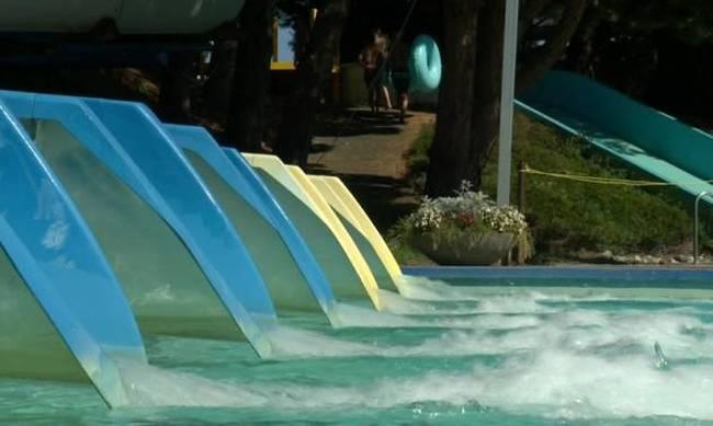 Πέντε νεκροί από ηλεκτροπληξία σε πισίνα