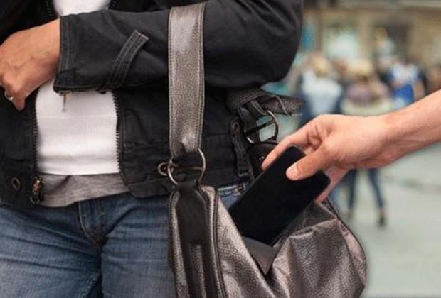 Έκλεψε το κινητό τηλέφωνο από ανυποψίαστη Λαρισαία σε καφετέρια, αλλά το πλήρωσε ακριβά...