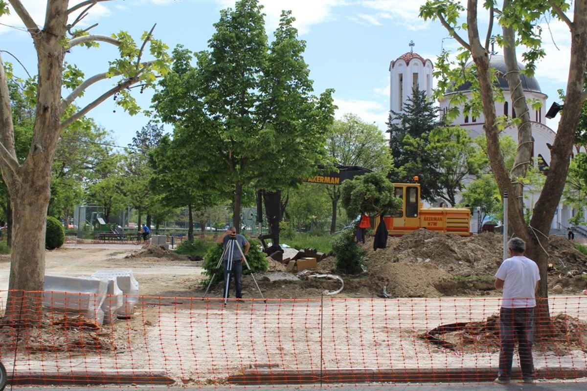 Λάρισα: Συνεχίζονται τα έργα στον Άγιο Κωνσταντίνοκαι στην πλατεία Εργ. Πρωτομαγιάς στην Νεράιδα (φωτο)
