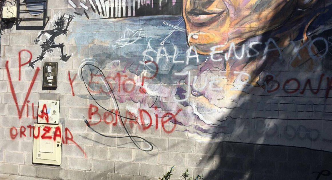 Vandalizaron la fachada del estudio de grabación del hijo de Bonadío