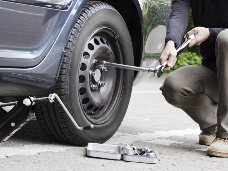 How To Change An Audi Tire