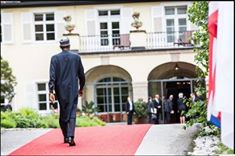 President of Nigeria convey in Garden-Mobile 3