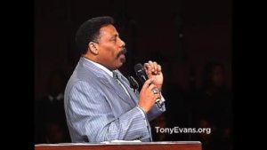 Dr. Tony Evans – Power Through Connection (Video)