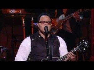 Israel Houghton – Your Presence is Heaven (Video, Lyrics and mp3 download)