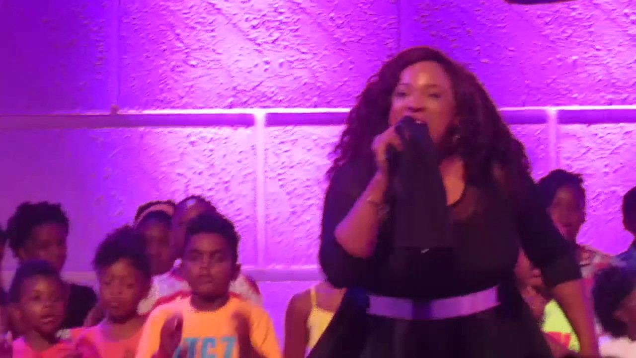 Kierra Sheard – Hang On [LIVE] (featuring The Walls Group) TWG Latitude Tour 2017