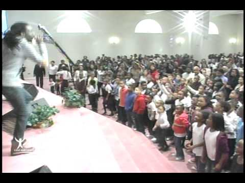 Tye Tribbett – Victory (Harvest Life Changers Church Video)