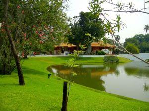 Bang Pa-In Palace Garden