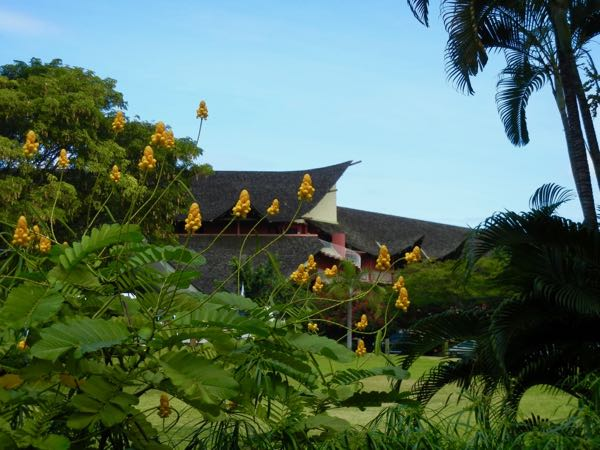 Tahiti Ia Ora Beach Resort Garden