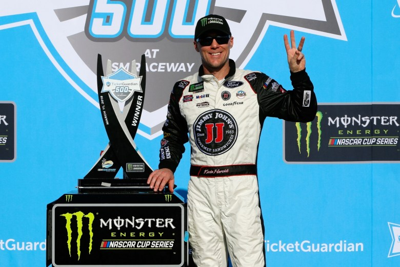 Kevin Harvick Takes Third Straight NASCAR Victory with Win in Phoenix