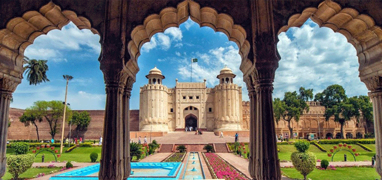 15 Places you Must Se While Travelling to Pakistan without miss