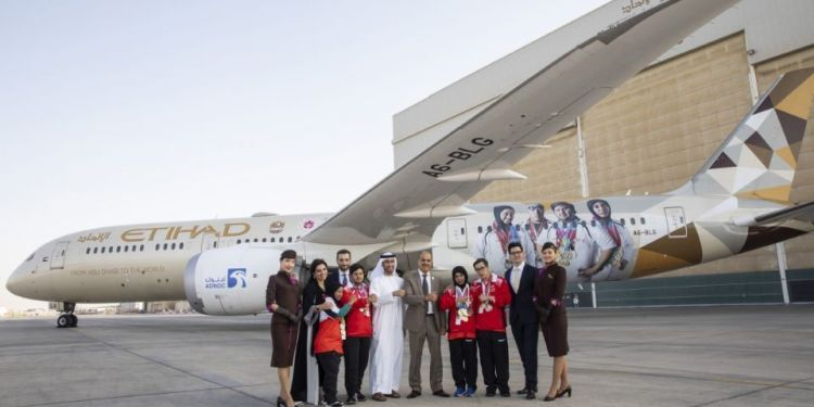 ETIHAD AIRWAYS, AND THE AL FURSAN AEROBATIC STUNT TEAM PERFORMED A SPECTACULAR SHOW