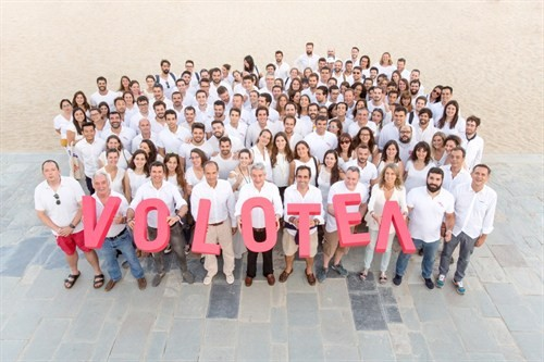 VOLOTEA CONTINUES GROWING , HITS 1,300 JOBS