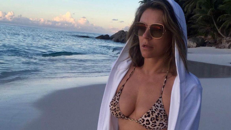 Elizabeth Hurley, Provocative, Pictures, Instagram, Naked