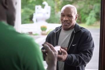 VIDEO: Mike Tyson vrátil Holyfieldovi ucho