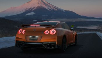 "There's a new GT Sport Update to fix the""Garage Full"" save issue"