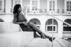 Cum să creezi un look inedit cu o pereche de sandale (2)