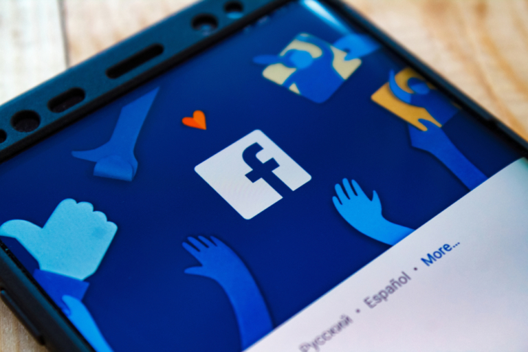 Facebook: New functions for International Women's Day