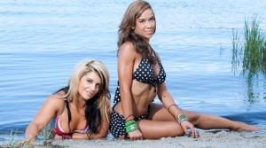 WWE-AJ-Lee-and-Kaitlyn