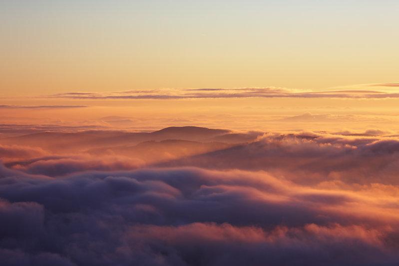 201512-yernju-tomas-bojko-sunrise-clouds-landscape,medium_large.1469193801