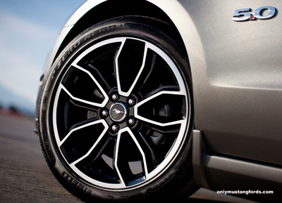 new 19 inch alloy wheels 2013 mustang