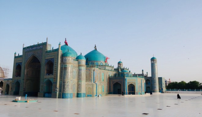 Mosques in Mazar e sharif – Only my footprints