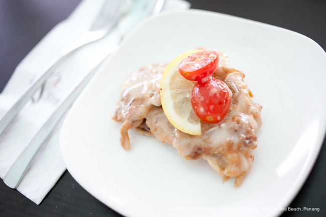 Fish fillet with cream sauce