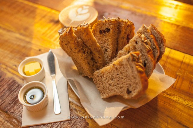 LOW GI Loaf Freshly baked bread made from low-glycemic flour suitable for one that selects foods on the basis of minimal alteration of circulating glucose levels. Served with balsamic vinaigrette and olive oil. Full loaf RM12.90, half loaf RM6.90
