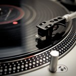 Turntables and CDJs banned in Berlin club