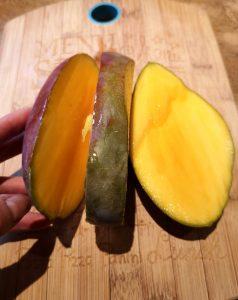 Comment découper une mangue fraîche