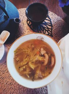 soupe au chou vert et champignon shiitake