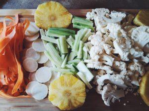 légumes taillés pour le pad thaï
