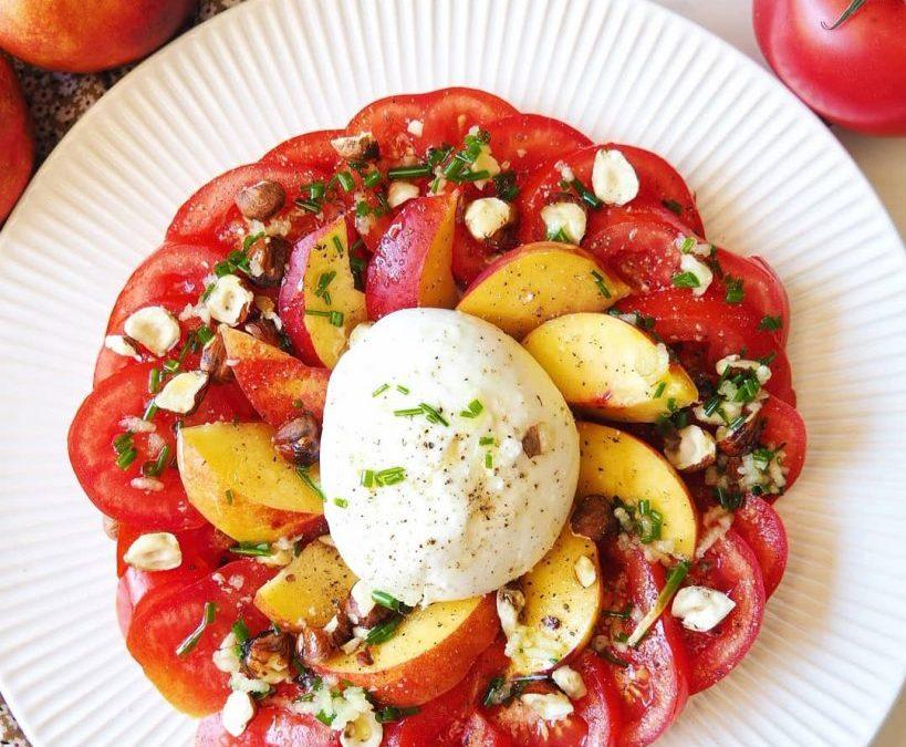 Salade de tomate, mozzarella et nectarine