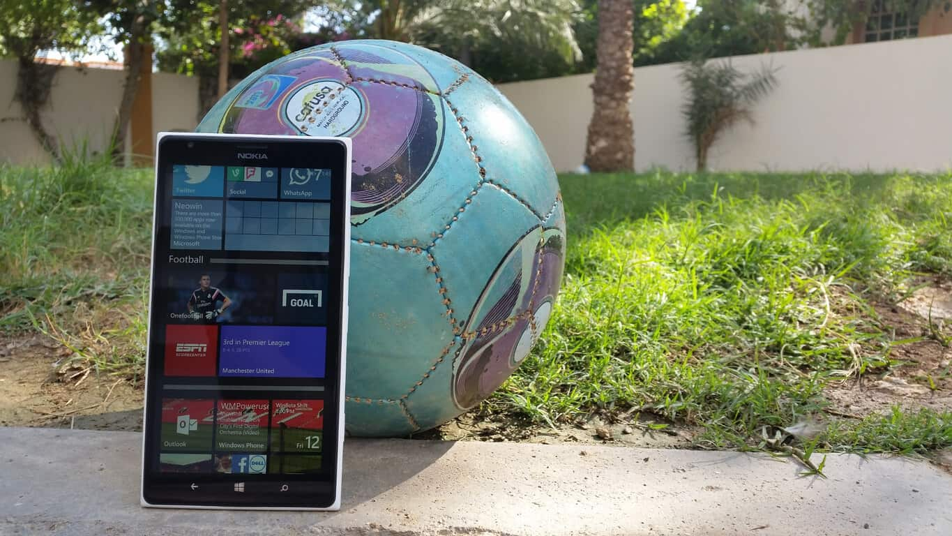 Lumia 1520 and football