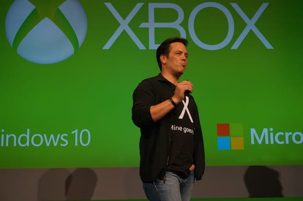 Cross-buy and cross-save between Xbox One and Windows 10 is good for gamers, says Xbox boss | On MSFT