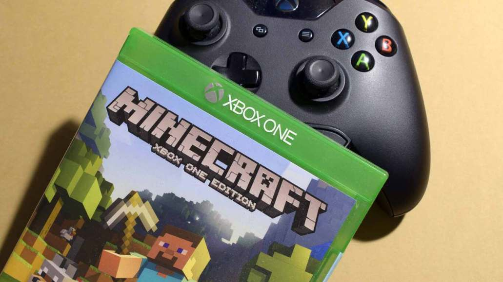 Free Holiday Update coming to Minecraft console editions in late