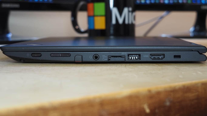 Lenovo ThinkPad Yoga 260 Right Side