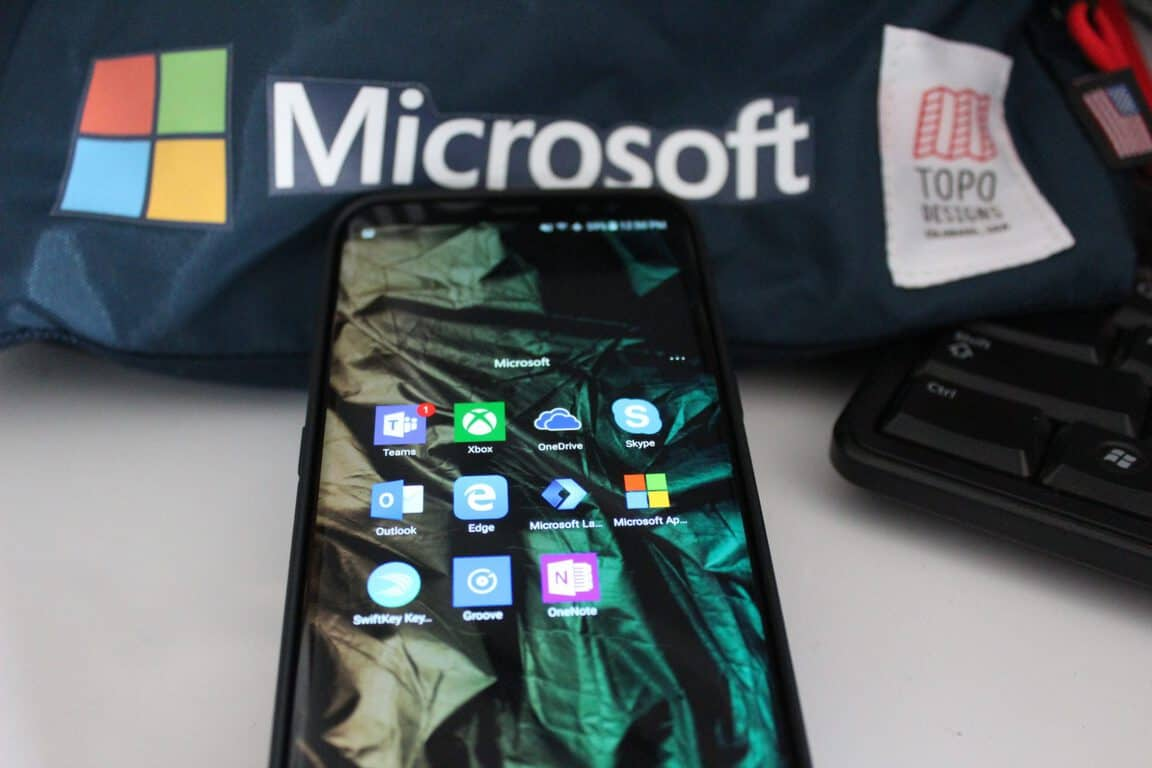 "How to turn your Android device into a ""Microsoft Phone"