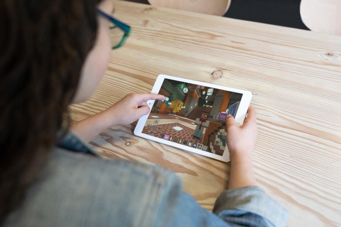 Microsoft, Apple, iPad, Minecraft Education Edition