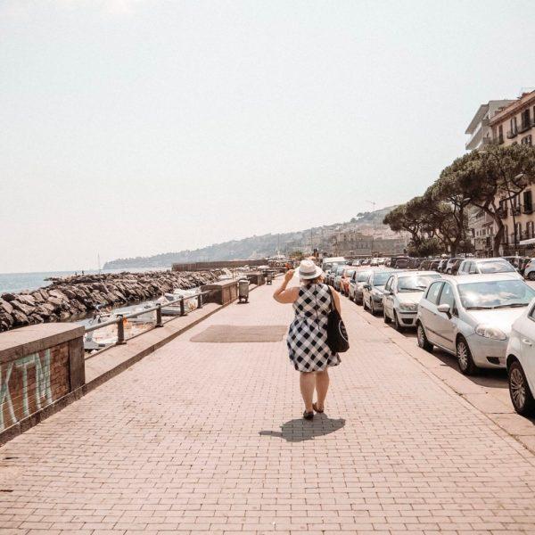 Postikortti Napolista