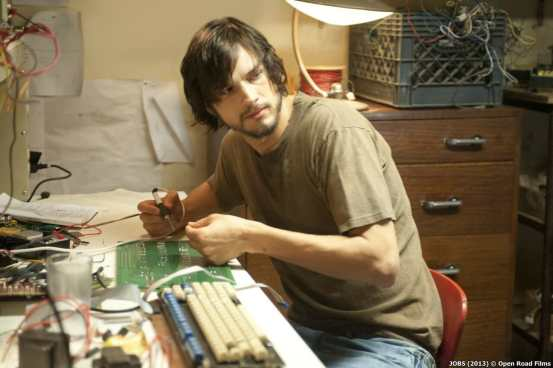 ashton_kutcher_as_steve_jobs
