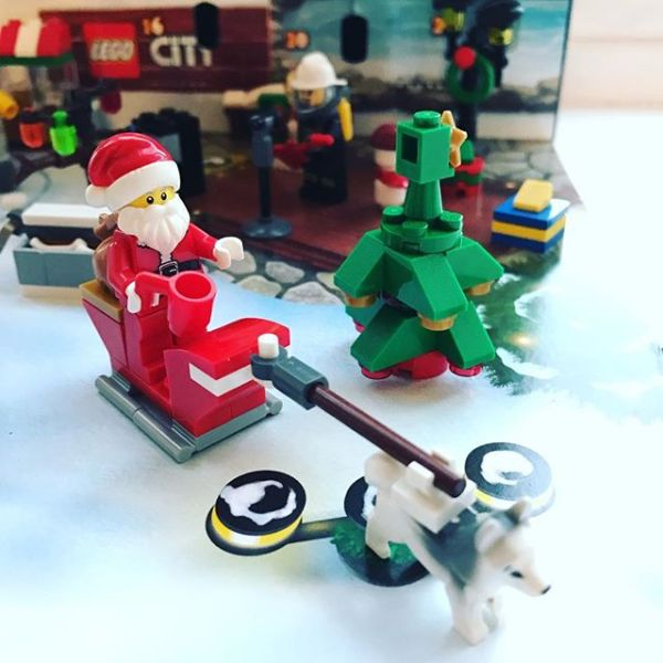 #legocityadvent Day 24: today Father Christmas has finally arrived.
