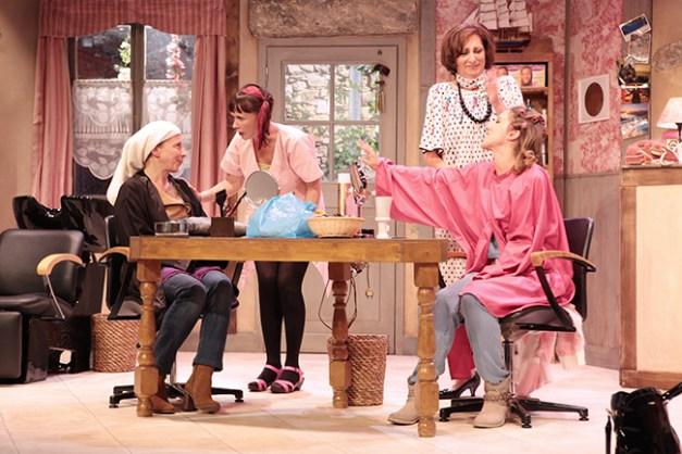 IMG_3007 Elisabeth Vitali, Sandrine Le Berre, Marie-Hélène Lentini et Léa François COIFFURE ET CONFIDENCES ©Franck Harscouët