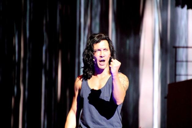 Fabien Incardona lors d'une répétition sans costume