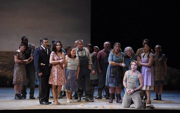 Vincent-Pontet---Opera-national-de-Paris-L-Elisir-d-amore-15-16--c--Vincent-Pontet---OnP--16--1600