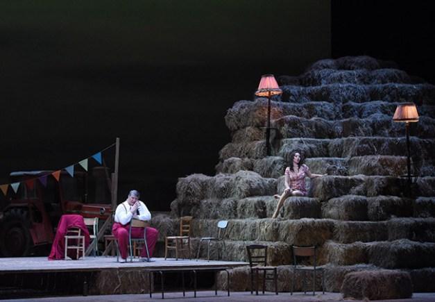 Vincent-Pontet---Opera-national-de-Paris-L-Elisir-d-amore-15-16--c--Vincent-Pontet---OnP--23--1600