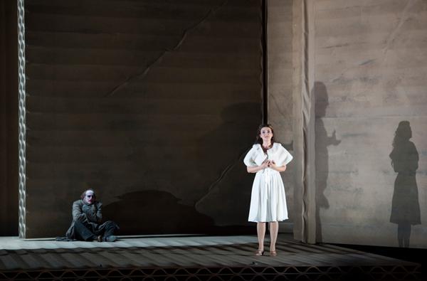 Rigoletto--c--Monika-Rittershaus---OnP--11-.jpg-1600