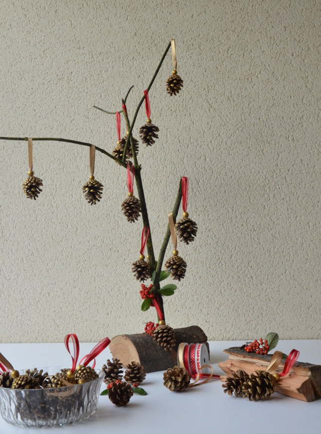 tuto diy guirlande suspension pomme de pin onsundaymornings