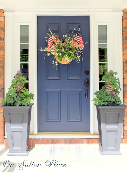 Patriotic Door Basket - shows how to add living ivy!
