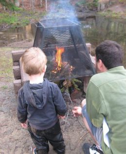 Things to take while camping with small children_2